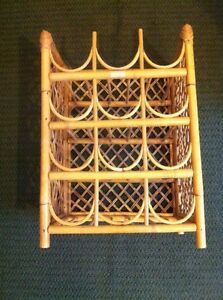 Wine rack (made of bamboo)