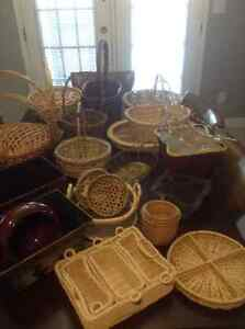 LOTS OF BASKETS, MOSTLY NEW. WILL NOT SEPARATE.