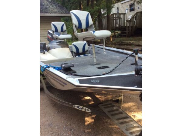 Used 1999 G3 Boats Fisher G3 Pro175 Bass Boat 40hp Yamaha and trailer
