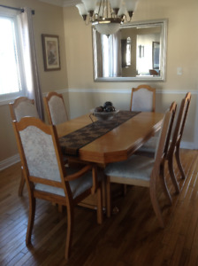 Solid oak dining room table, 6 chairs, and buffet for sale