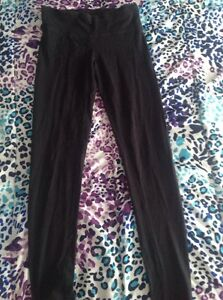 Pants,yoga pants, capris, and shorts Peterborough Peterborough Area image 6