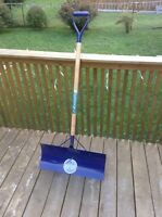 Metal shovel