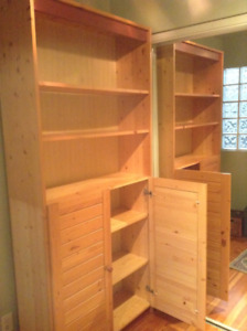 Get organized with this space-saving bookcase!
