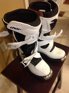 Thor Blitz youth motocross boots