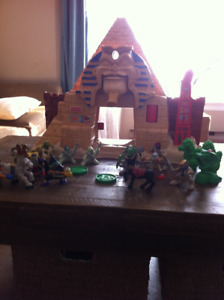 Fisher Price Great Adventures Pyramid Castle