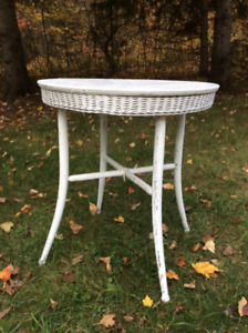 Small White Wood and Wicker Table