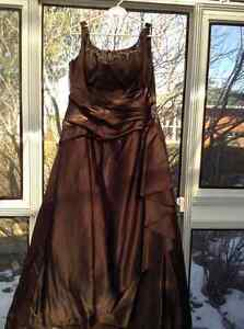 Robe de bal, graduation ou fille d'honneur / prom dress, gala,