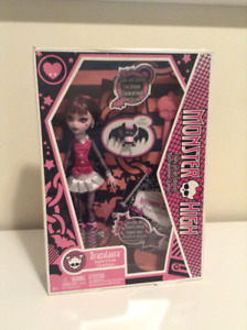 Monster High - Draculaura with Pet - Wave One - NIB