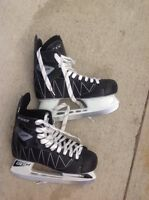 LIKE-NEW CCM Intruder Skates - SIZE 7 MEN