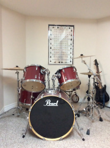 Pearl  ELX825 Drum Kit for sale.