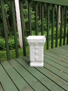 Vase blanc $15