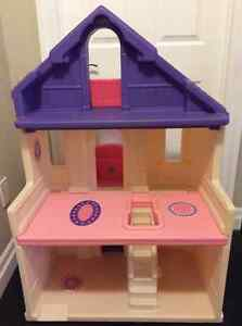 Large Size Step 2 Doll House Play House Stratford Kitchener Area image 2