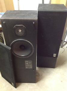 2 Post DM3 speakers
