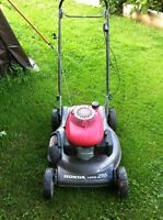 Honda self propelled law mower