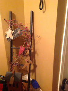 Rustic/primitive star ladder decor