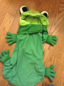 NEW DOG FROG COSTUME PERFECT FOR HALLOWEEN