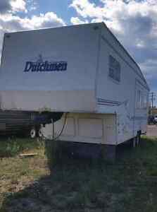 2000 Dutchman 5th Wheel 35ft sleeps 8 Large Slideout