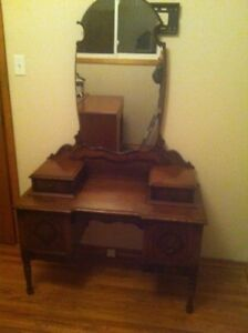 Antique Walnut Dressing table with Mirror