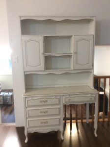 White Wood Desk with Matching Hutch