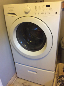Matching washer and dryer
