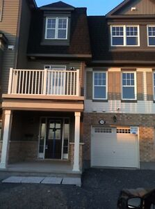 Town home for rent in Barrhaven Half Moon Bay.