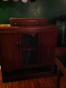 China cabinet with table and 4 chairs