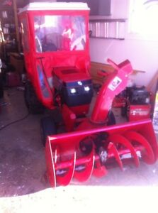Toro tractor with lawn mower and snowblower and cab 520H