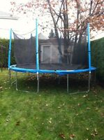 Trampoline 14ft with net enclosure