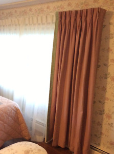Queen size bedding and drapes
