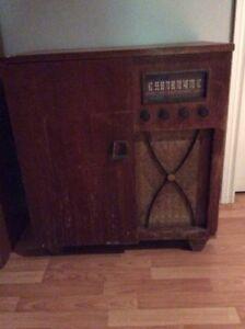 Antique radio for sale