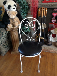 "IRON FRAME CHAIR 16""D VINYL SEAT COVER"