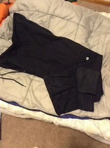 Lululemon Black pants size L