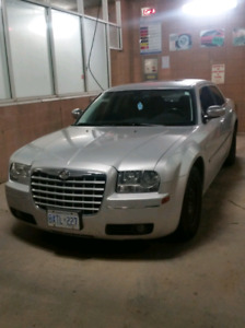 Chrysler 300 2010 - clean car proof, no problems