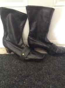 Black leather France Mode boots
