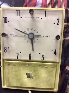 Vintage Motorola clock radio