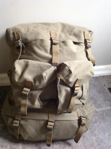 Backpack / military style NEW