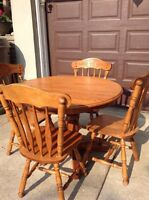 Dining Table / Chairs / extension Leaf