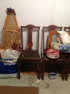 Chaises anciennes en bois