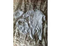 Mothercare tiny baby/newborn white outfit set