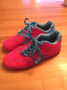 INDOOR SOCCER SHOES YOUTH