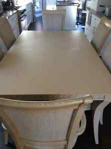 Dining set solid wood with 6 chairs, table, buffet and hutch Oakville / Halton Region Toronto (GTA) image 3