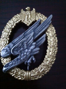 WW2 reproduction  German paratrooper  Badge  in silver