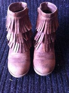 Girls Youth Size 1 Boots