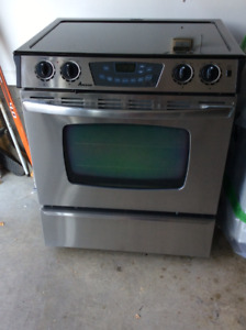 """FOUR AMANA STAINLESS 30"""" encastrable"""