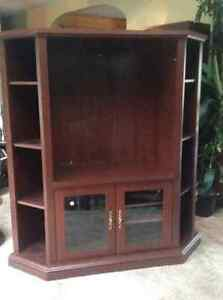 TV entertainment cabinet