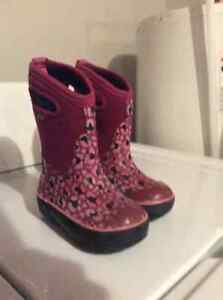 BOGS - girls size 9t winter boots