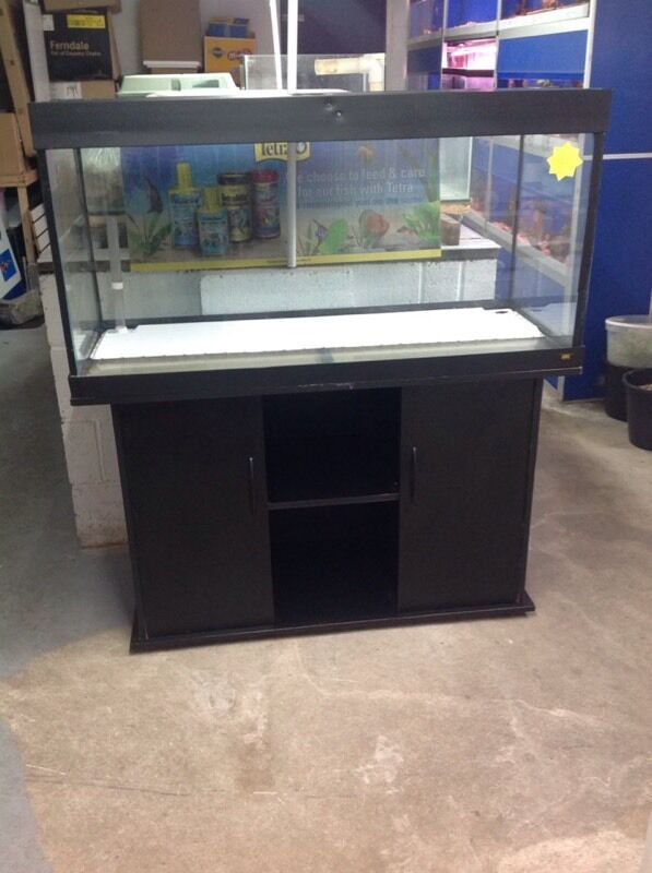 juwel rio 300 350 litre fish tank aquariums 4ft tank in hull east yorkshire gumtree. Black Bedroom Furniture Sets. Home Design Ideas