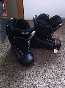 5.5 snowboard boots