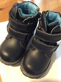 Jones bootmaker boys toddler boots size 4 like new condition