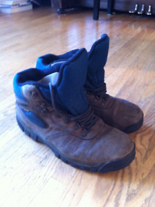 ef2de469750 Hiking Boots | Kijiji in Calgary. - Buy, Sell & Save with Canada's ...